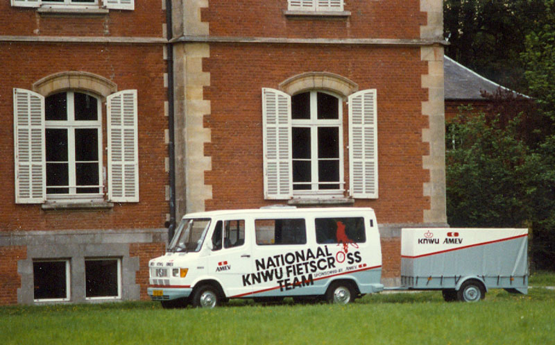1e 1986 Team AMEV bus scannen0003